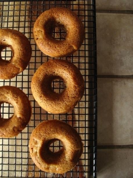 Apple Cinnamon Doughnuts