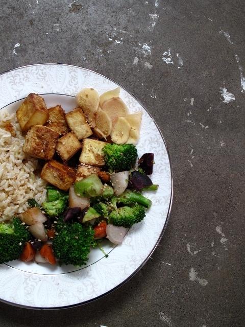 sesame garlic tofu + rice bowl with pickledginger